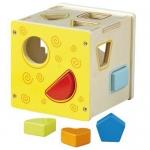 Cubo de madera para clasificar formas geométricas